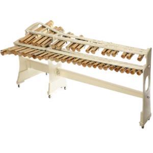 竹の節と空洞を利用し、これまで分離した音板とパイプ(共鳴管)が一体になった鍵盤打楽器。竹でしか出せないその響きは必聴もの。 1980年にバンブーオーケストラ創始者である矢吹誠氏が考案。(孟宗竹)